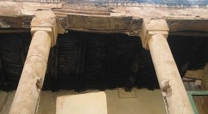 colonne e architrave ristrutturazione riad el arco marrakech