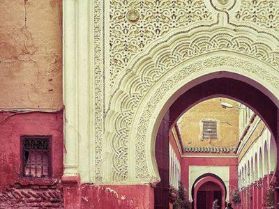 strada interna con persone a marrakech